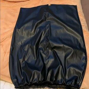 Boohoo faux leather pencil skirt